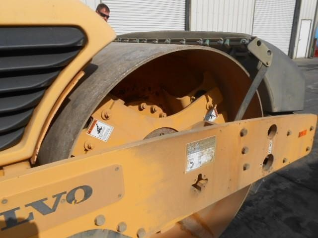 Detail photo of 2011 Volvo DD138HF from Construction Equipment Guide