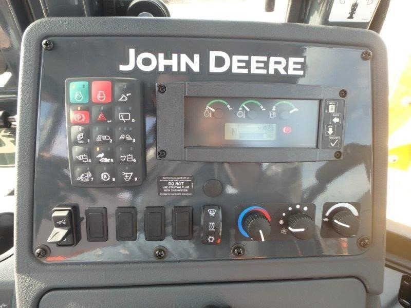 Detail photo of 2016 John Deere 310SL from Construction Equipment Guide
