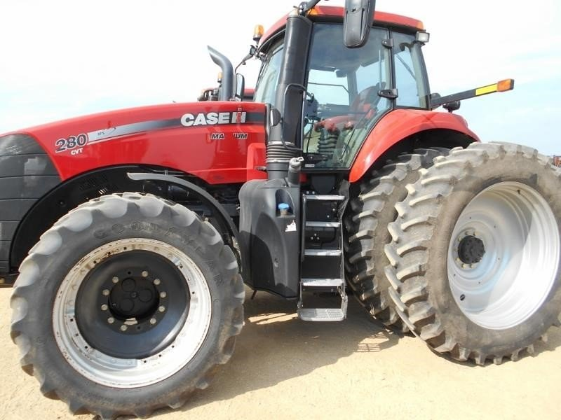 Detail photo of 2014 Case IH MAGNUM 280 CVT from Construction Equipment Guide