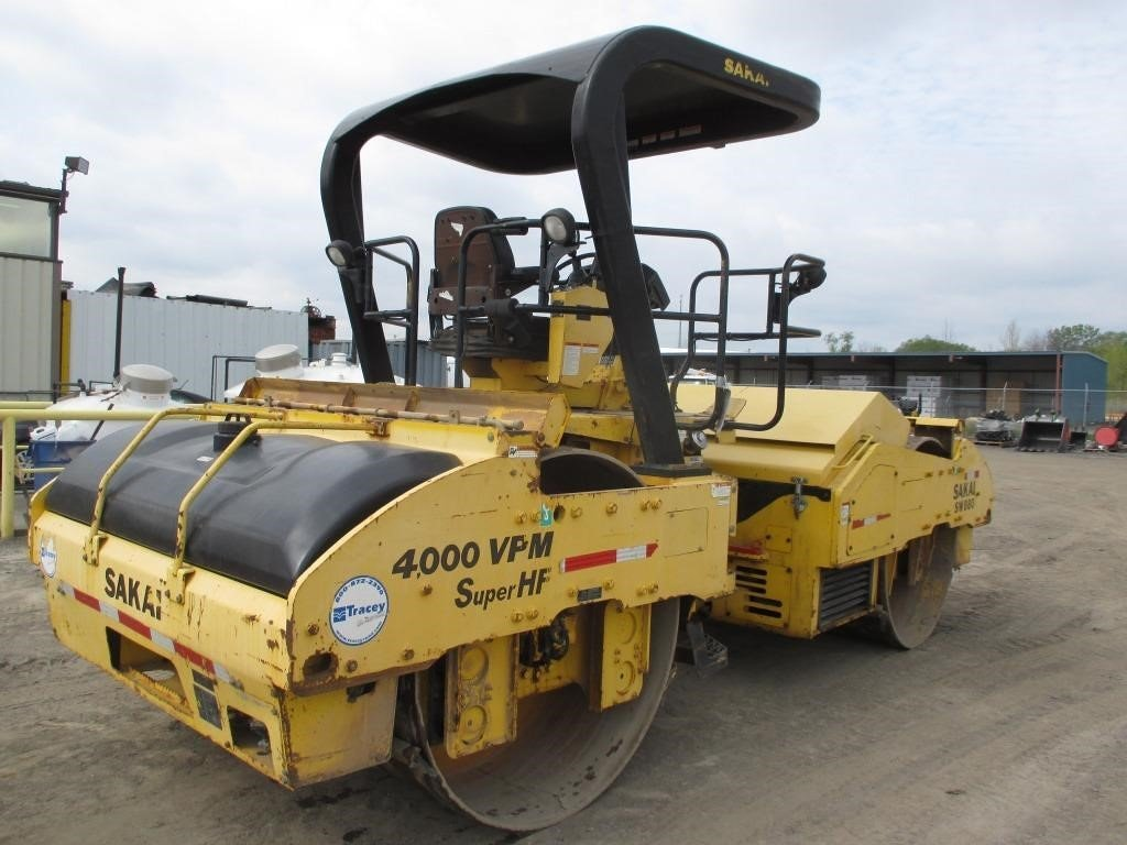 Detail photo of 2008 Sakai SW880 from Construction Equipment Guide