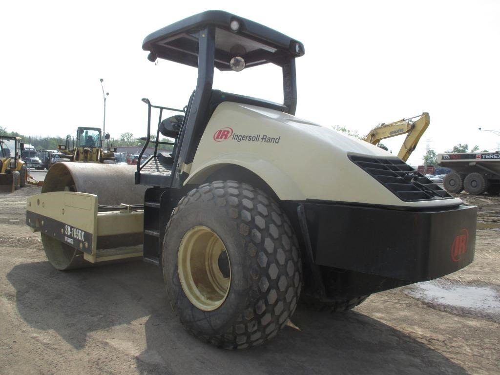 Detail photo of 2004 Ingersoll Rand SD105DX TF from Construction Equipment Guide