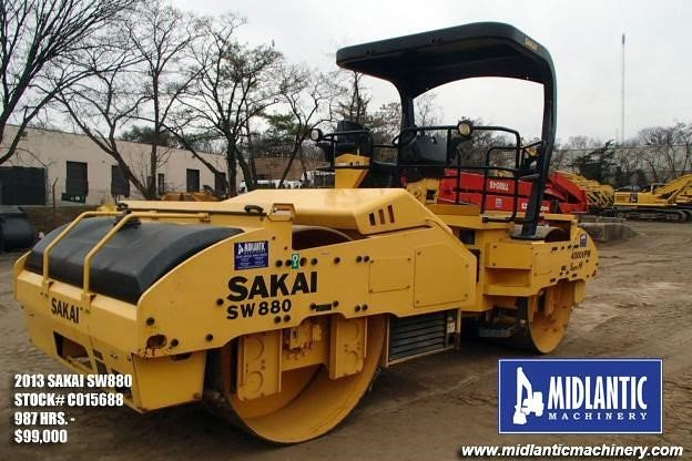 Detail photo of 2013 Sakai SW880 from Construction Equipment Guide