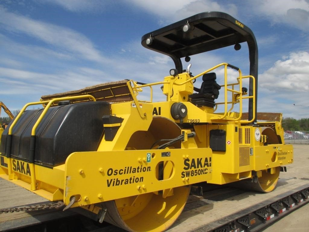 Detail photo of 2014 Sakai SW850ND II from Construction Equipment Guide