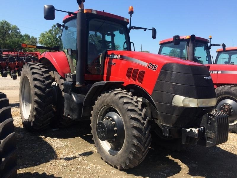 Detail photo of 2009 Case IH MX215 from Construction Equipment Guide