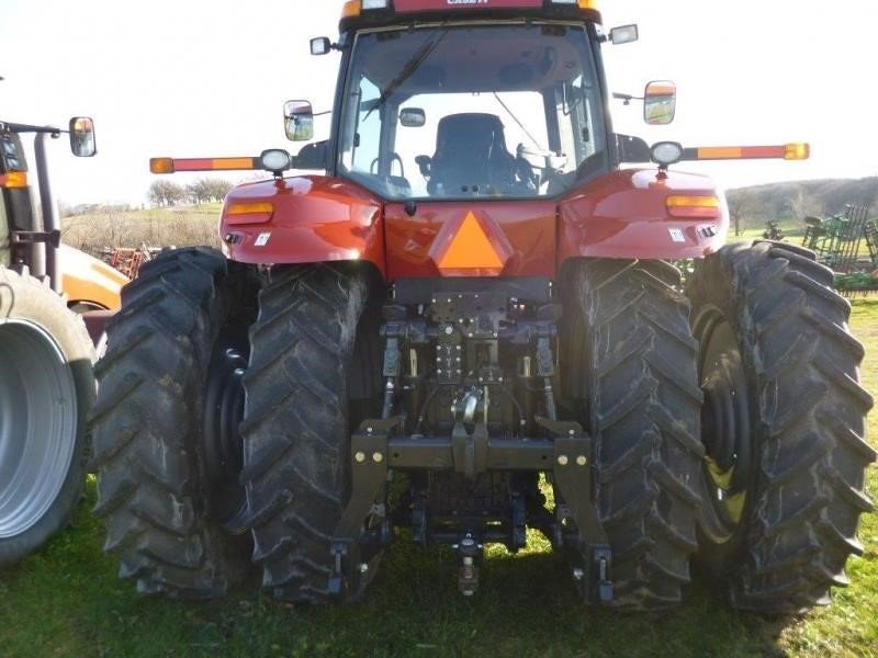 Detail photo of 2013 Case IH MAGNUM 260 from Construction Equipment Guide