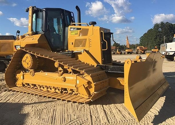 Detail photo of 2016 Caterpillar D6N LGP from Construction Equipment Guide