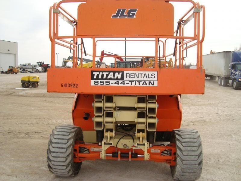 Detail photo of 2011 JLG 3394RT from Construction Equipment Guide