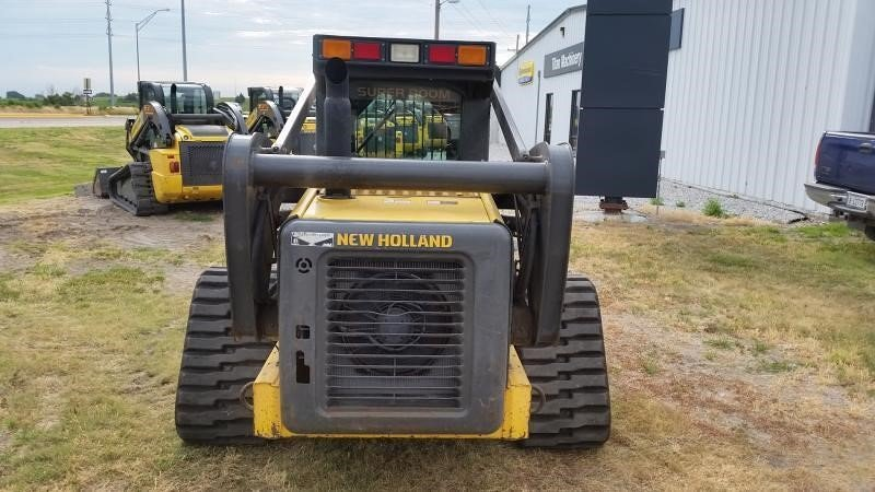 Detail photo of 2006 New Holland C190 from Construction Equipment Guide