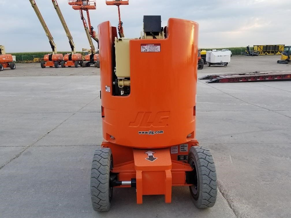 Detail photo of 2017 JLG E300AJP from Construction Equipment Guide