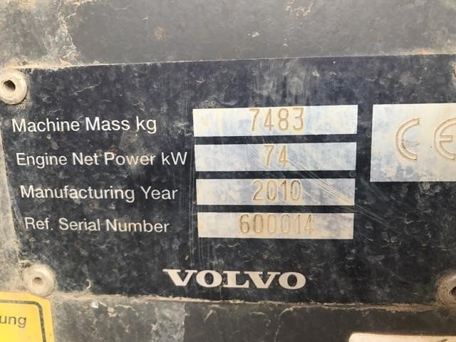 Detail photo of 2010 Volvo SD77DX from Construction Equipment Guide