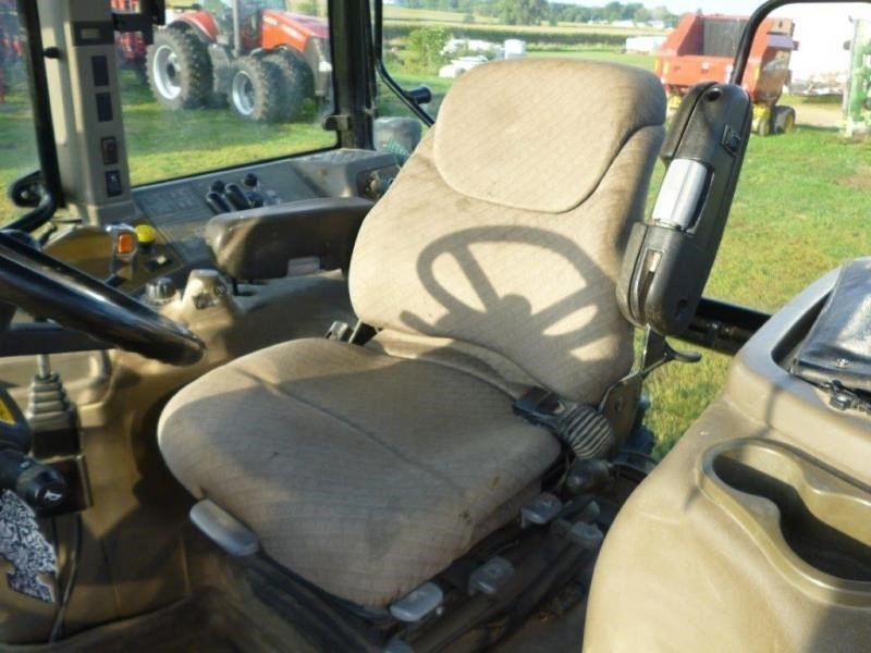 Detail photo of 2005 Case IH MXM120 from Construction Equipment Guide