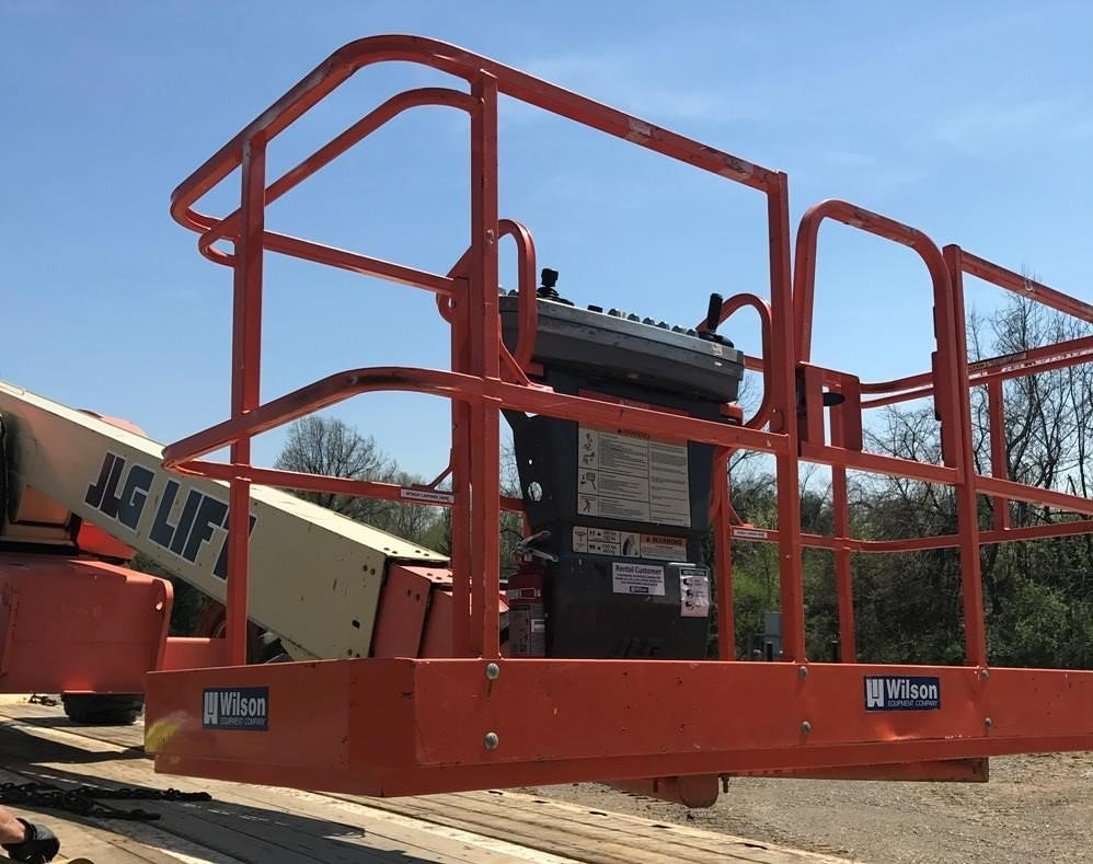 Detail photo of 2003 JLG 600S from Construction Equipment Guide