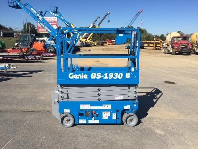 Detail photo of 2017 Genie GS1930 from Construction Equipment Guide