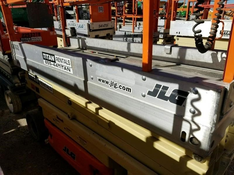 Detail photo of 2012 JLG 2030ES from Construction Equipment Guide