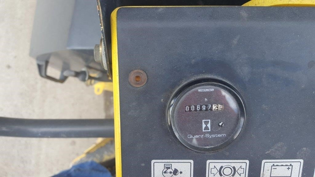 Detail photo of 2006 Bomag BW 900-2 from Construction Equipment Guide