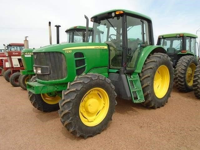 Detail photo of 2010 John Deere 7230 from Construction Equipment Guide