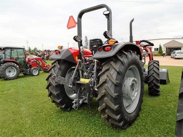 Detail photo of 2017 Massey Ferguson 5711 from Construction Equipment Guide