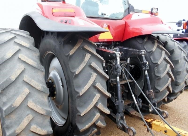 Detail photo of 2006 Case IH MX215 from Construction Equipment Guide