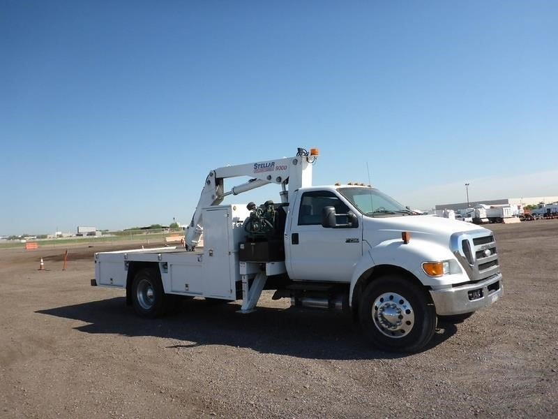 Detail photo of 2008 Ford F750 from Construction Equipment Guide