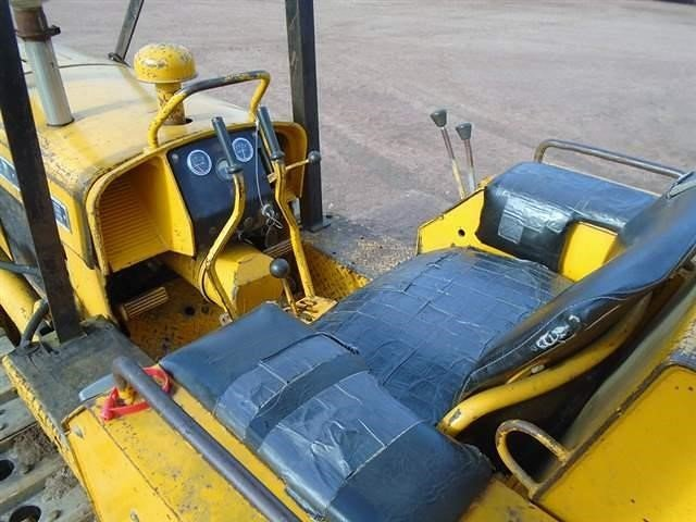 Detail photo of 1967 John Deere 350 from Construction Equipment Guide