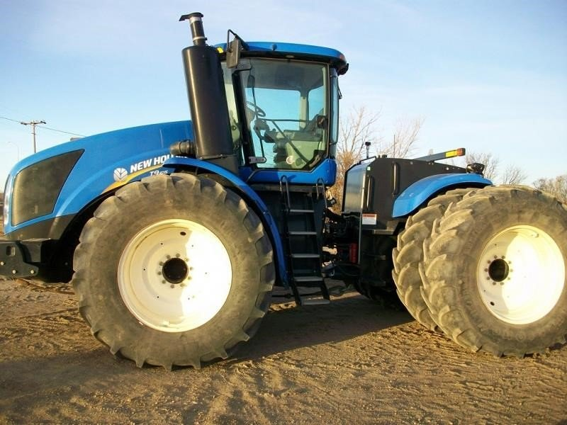 Detail photo of 2012 New Holland T9.615 from Construction Equipment Guide