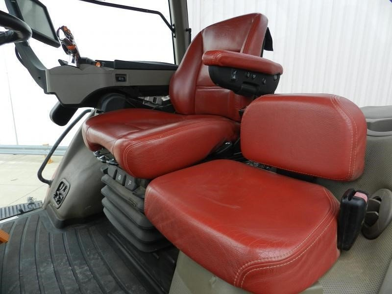 Detail photo of 2015 Case IH MAGNUM 380 ROWTRAC CVT from Construction Equipment Guide