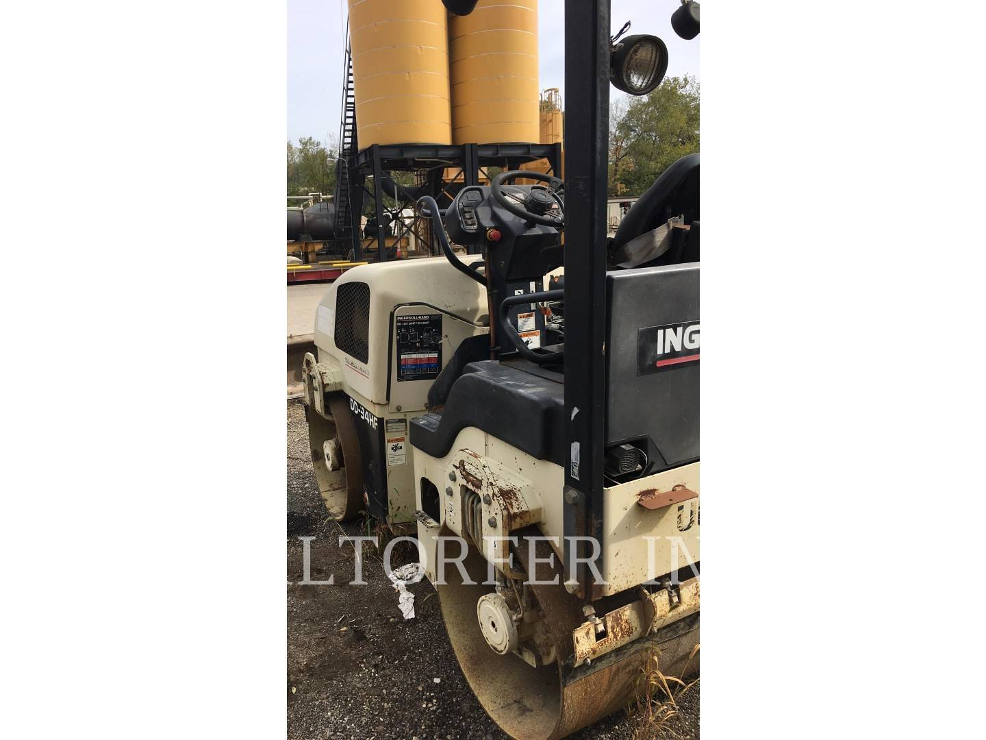 Detail photo of 2000 Ingersoll Rand DD34HF from Construction Equipment Guide