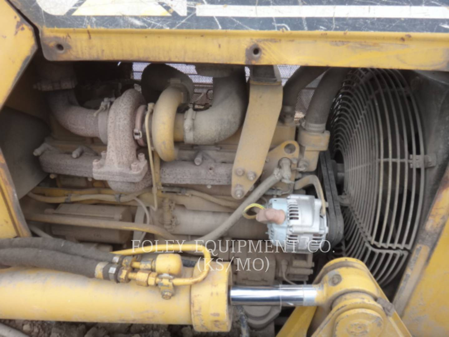 Detail photo of 2003 Caterpillar D5G from Construction Equipment Guide