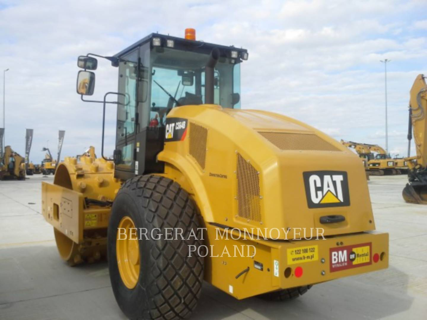 Detail photo of 2016 Caterpillar CS64B from Construction Equipment Guide