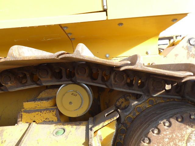 Detail photo of 2013 John Deere 750K LGP from Construction Equipment Guide