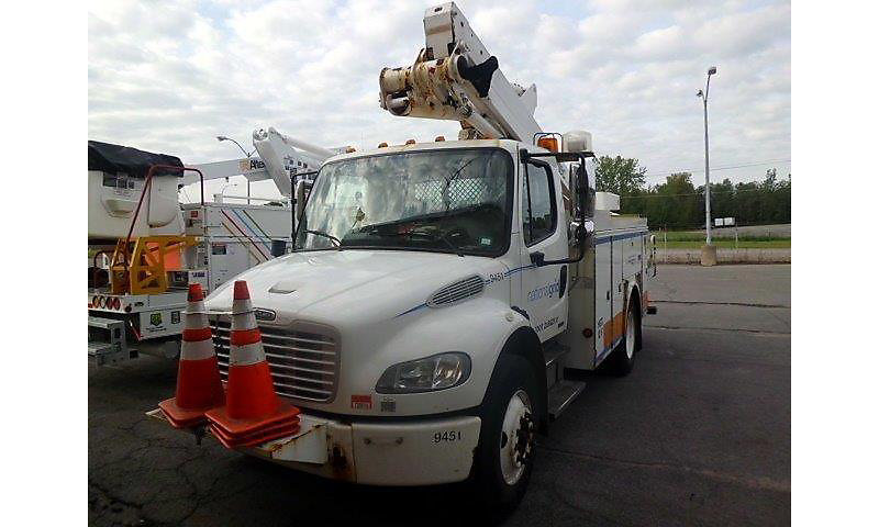 Detail photo of 2007 FREIGHTLINER M2 106 from Construction Equipment Guide