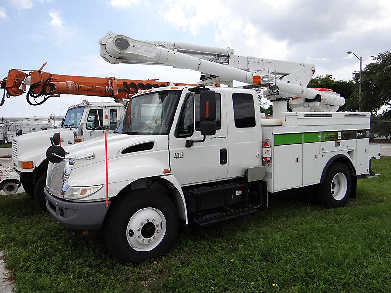 Detail photo of 2008 International 4300 Hybrid from Construction Equipment Guide