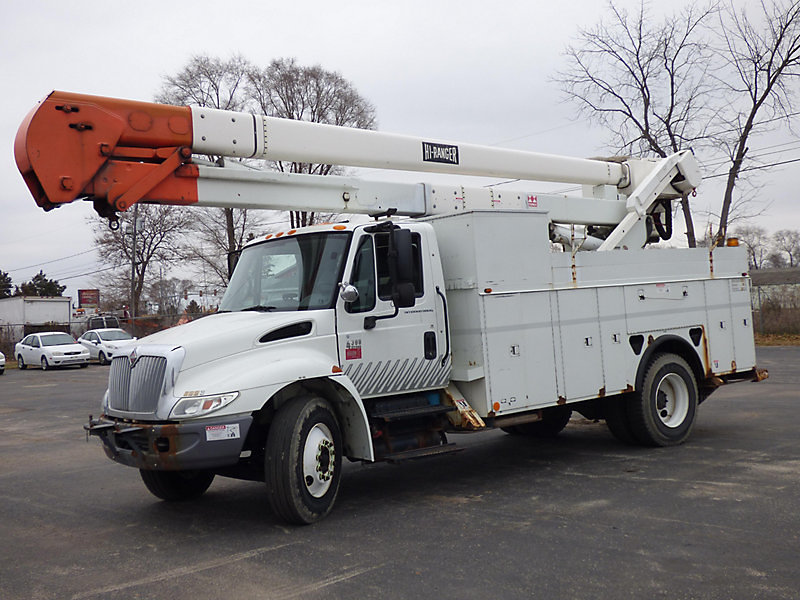 Detail photo of 2003 International 4300 from Construction Equipment Guide