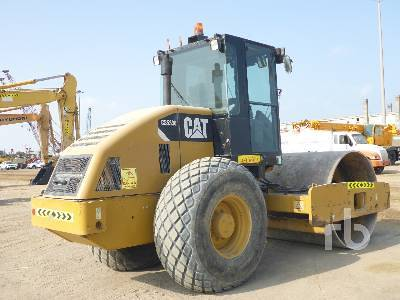 Detail photo of 2013 Caterpillar CS533E from Construction Equipment Guide