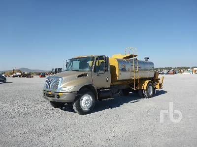Detail photo of 2004 International 4300 from Construction Equipment Guide