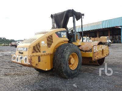 Detail photo of 2011 Caterpillar CS74 from Construction Equipment Guide