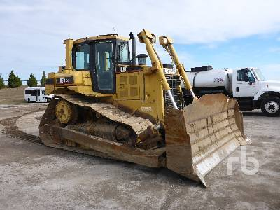 Detail photo of 2005 Caterpillar D6R from Construction Equipment Guide