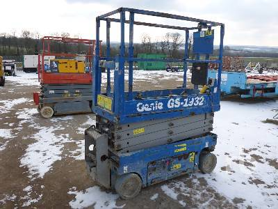 Detail photo of 2012 Genie GS1932 from Construction Equipment Guide