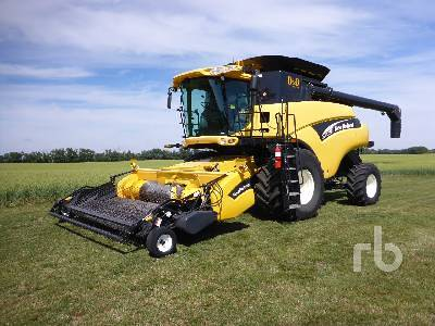 Detail photo of 2006 New Holland CR960 from Construction Equipment Guide