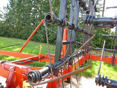 Detail photo of 2006 Bourgault 7200 from Construction Equipment Guide