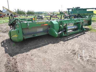 Detail photo of 2000 John Deere 925D from Construction Equipment Guide