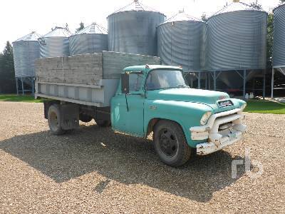 Detail photo of 1956 GMC 9700 from Construction Equipment Guide