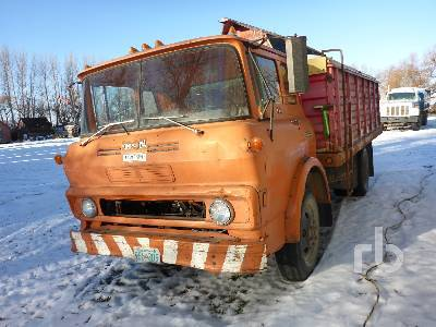 Detail photo of 1972 GMC 5500 from Construction Equipment Guide