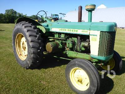 Detail photo of 1957 John Deere 820 from Construction Equipment Guide