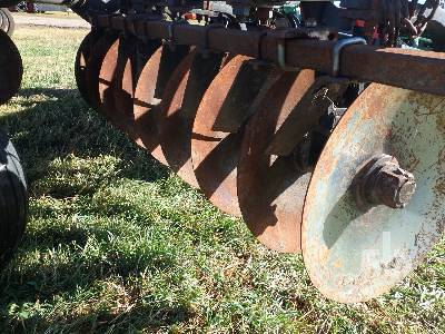 Detail photo of 1983 VERSATILE 1300 from Construction Equipment Guide