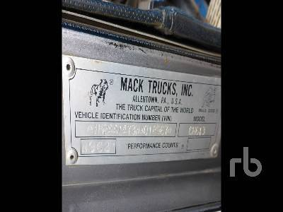 Detail photo of 1992 Mack CH613 from Construction Equipment Guide
